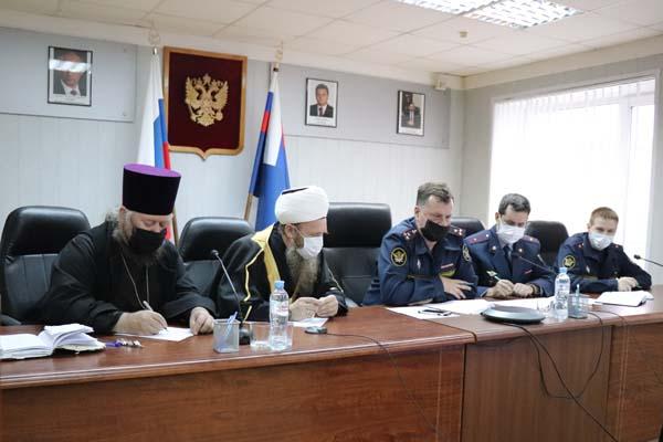 Осужденные учреждений УФСИН России по Тверской области ответили на вопросы о православии и исламе