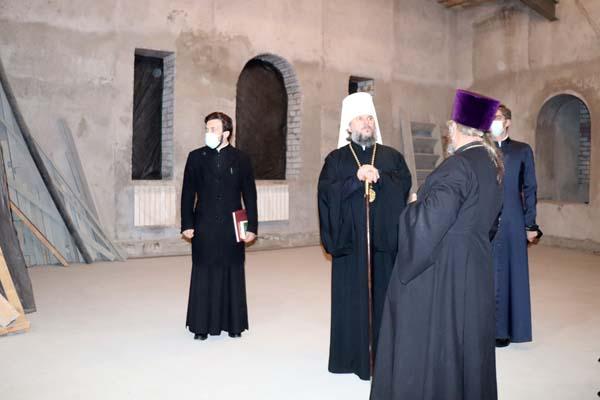 Митрополит Тверской и Кашинский Амвросий осмотрел строящийся храм в ИК-1
