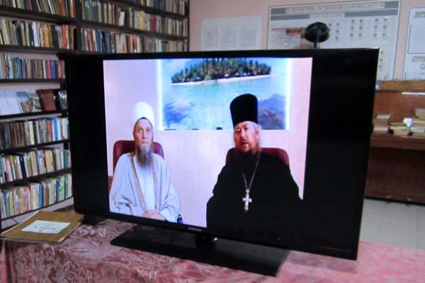Осужденные ИК-7 посмотрели совместное видеообращение помощника начальника УФСИН по организации работы с верующими отца Михаила и имама Тверской соборной мечети Таира-хазрята